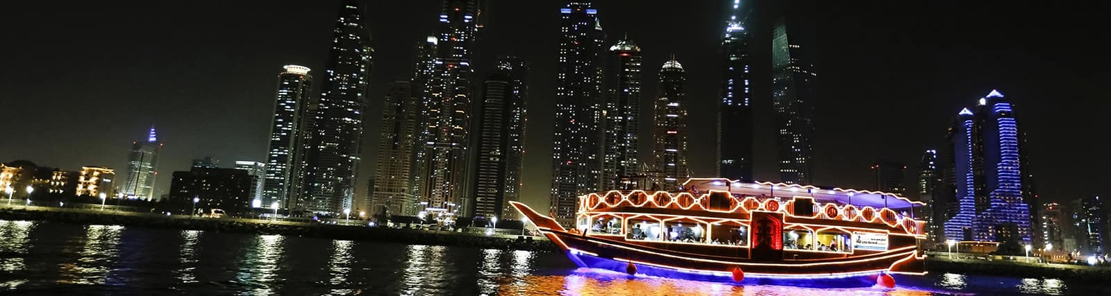 dining table dhow cruise