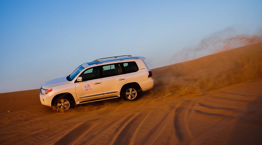 Desert-safar-dune-bashing-2