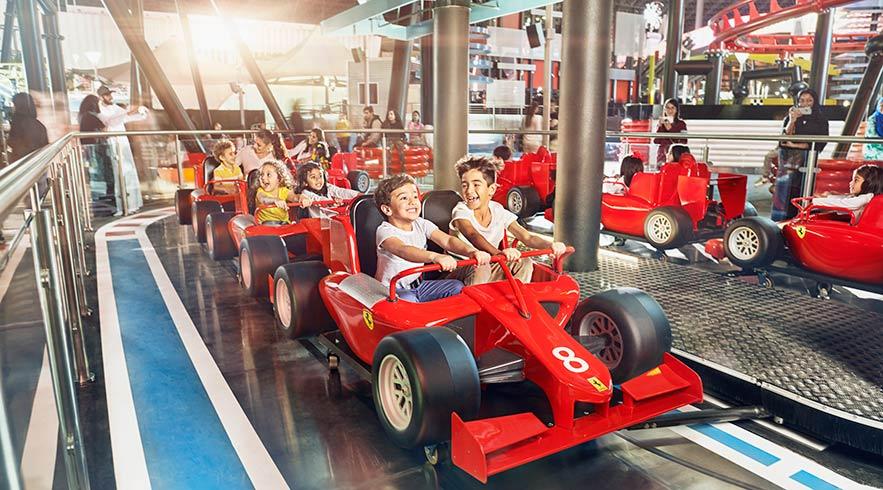 ferrari-world-Speedway-Race