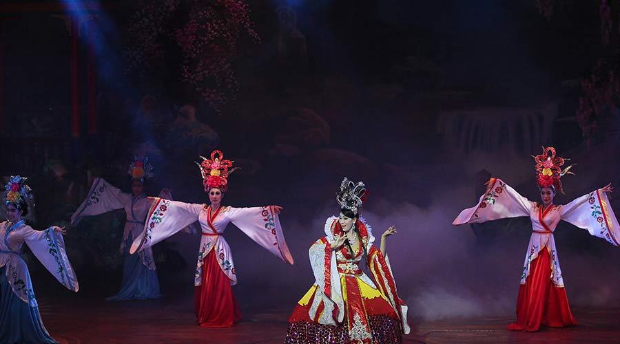 alzazar show performers