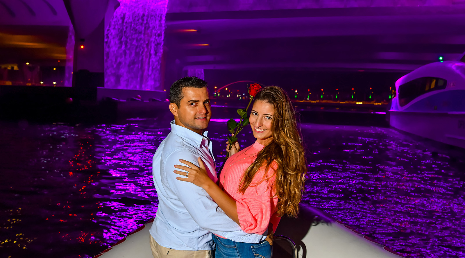 love boats tours couple photography